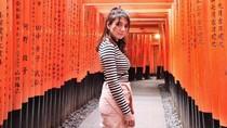 Wajahnya Diposting Brand Besar Moschino, Cassandra Lee Kaget