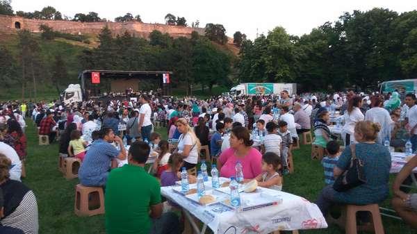 Rezeki yang Terus Mengalir Saat Ramadan di Serbia