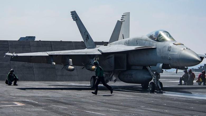 Pasukan Koalisi AS Tembak Jatuh Pesawat Suriah Dekat Raqqa