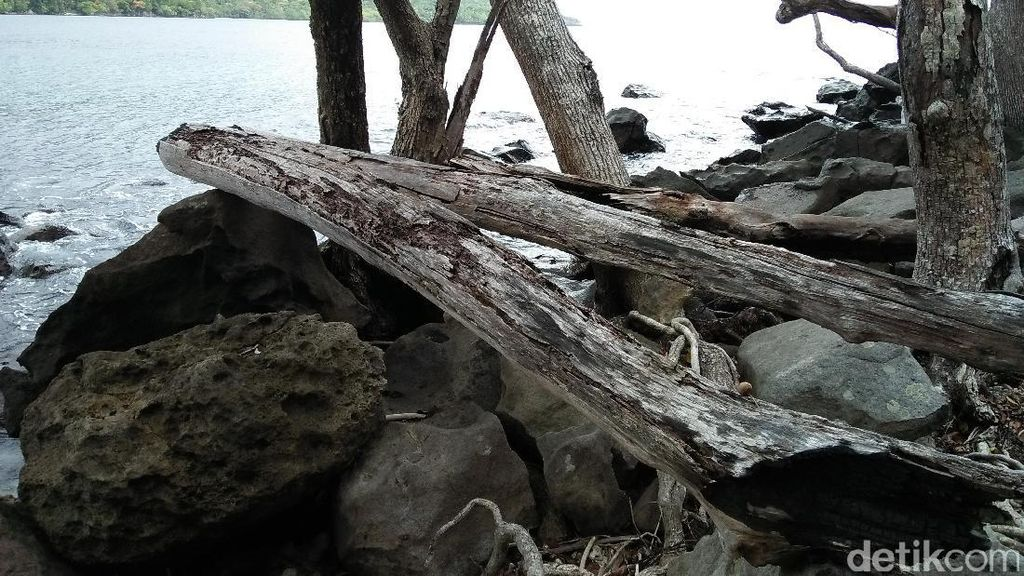 Pantai Perawan Tanpa Nama di Ujung Sabang