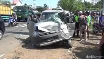 Pikap Ditabrak Bus Ladju di Pasuruan, Satu Orang Tewas