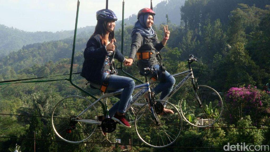 Mudik ke Baturraden, Yuk Naik Sepeda Gantung