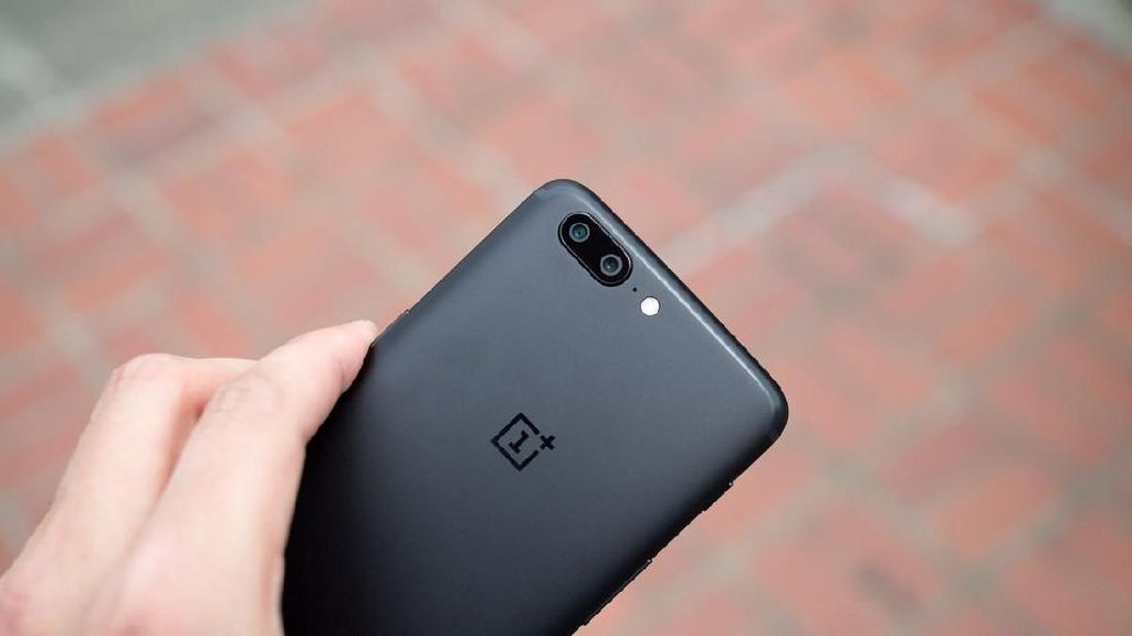 OnePlus Tak Henti Sadap Data Pengguna?