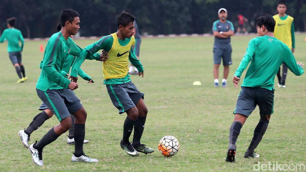 Abon dan Kecap Manis Jadi Bekal Timnas U-16 di Thailand