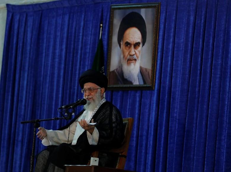 Pemimpin Tertinggi Iran: Trump, Macron dan May adalah Penjahat!