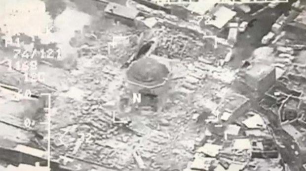 Foto dari udara menunjukkan Masjid Al-Nuri tinggal puing