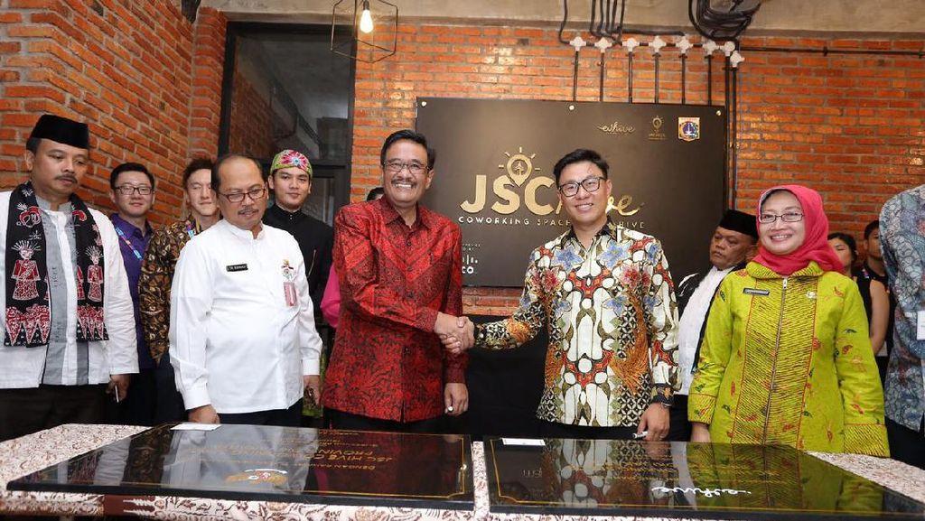 Djarot Resmikan Co-Working Space Jakarta Smart City