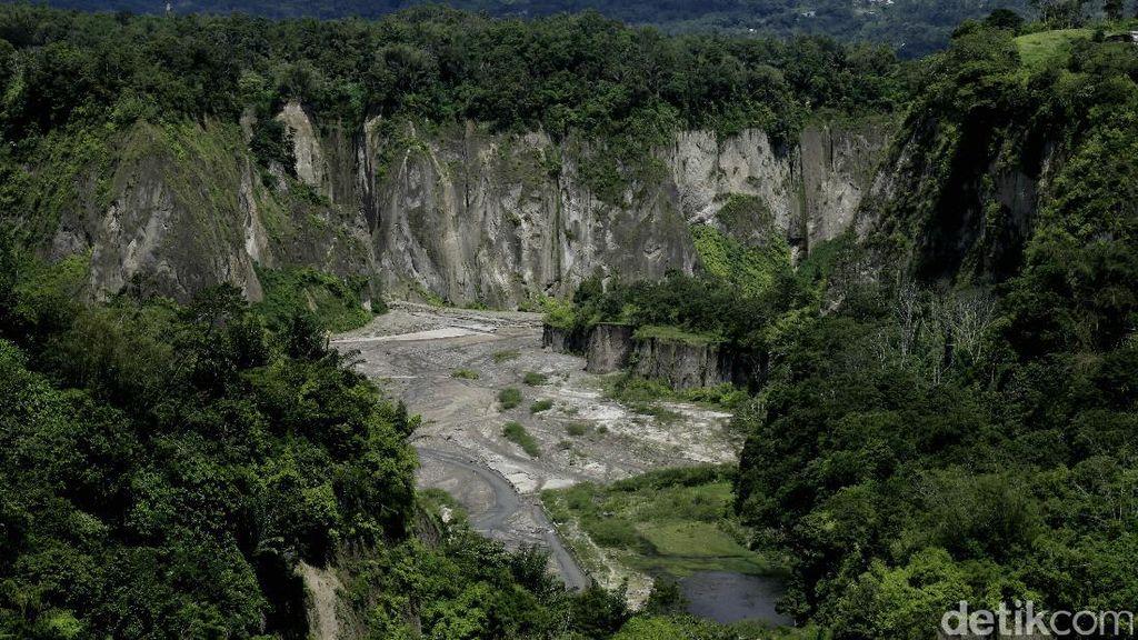 Panorama Ngarai Sianok