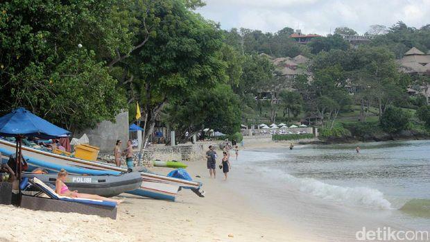 Suasana pantai privat Jimbaran
