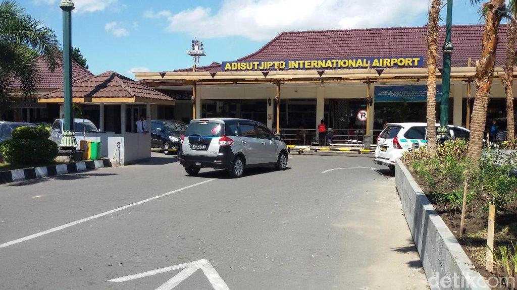 Bandara Adisutjipto Suguhkan Informasi Pakai Bahasa Jawa