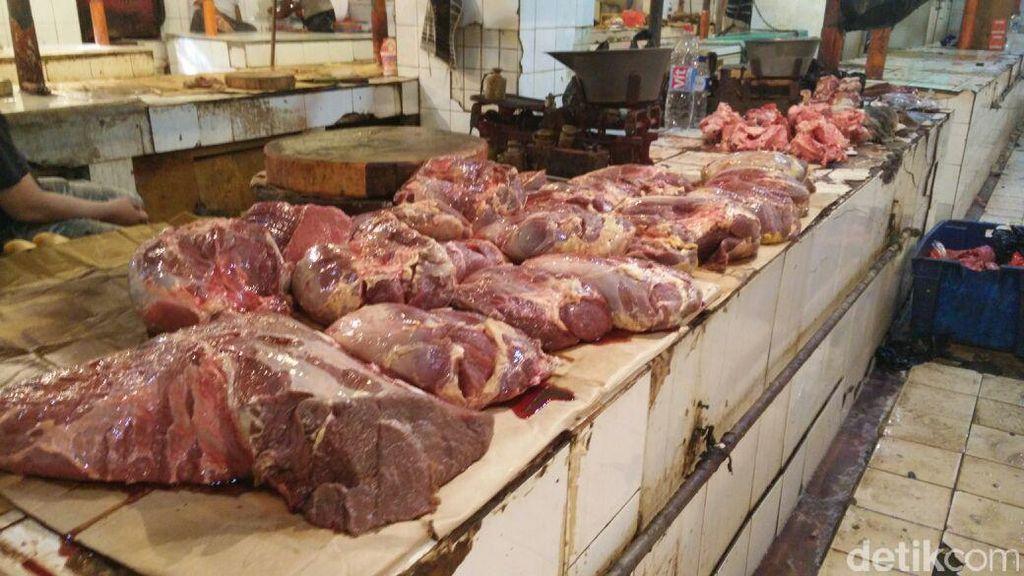Ada Daging Beku, Kok Harga Daging Segar Masih Mahal?