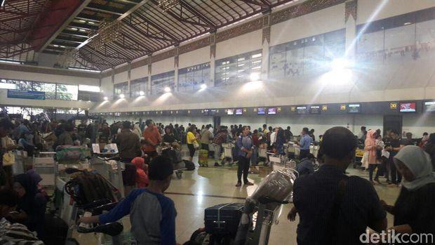 Penumpang Bandara Juanda meningkat saat arus balik