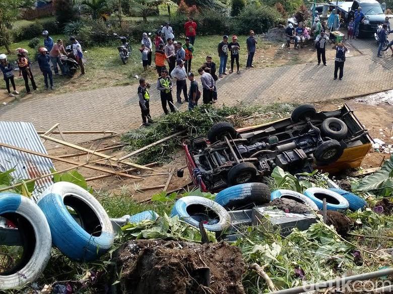 Sopir Minibus Ditetapkan Tersangka Kecelakaan di Lokasi Wisata Pacet