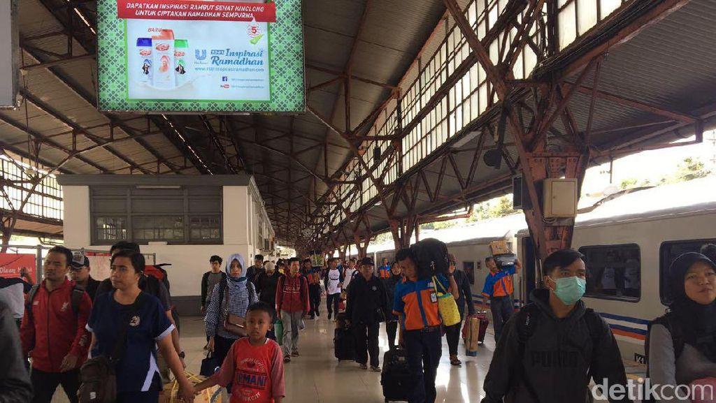 Kisah Amud Kuli Bangunan yang Nekat Cari Kerja di Jakarta