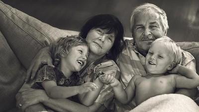 Apa Efeknya Jika Tiap Hari Anak Hanya Sama Kakek dan Neneknya?