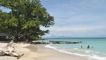 Foto Pantai Pasir Putih di Sabang, Nggak Kalah Sama Bali!
