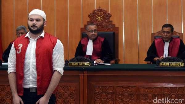 Terkait Kasus Narkotika, Ridho Rhoma Dituntut 2 Tahun Penjara