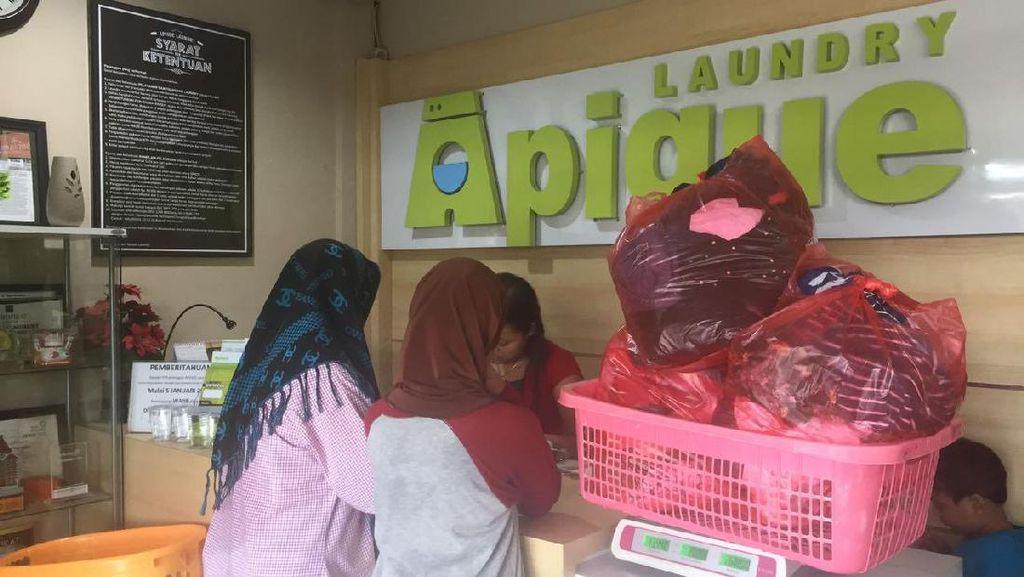 ART Masih Mudik, Jasa Laundry Banjir Permintaan