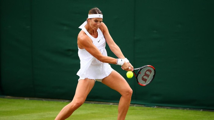 Petenis Luksemburg, Mandy Minella tampil di Wimbledon meski tengah hamil (Foto: Clive Brunskill/Getty Images)