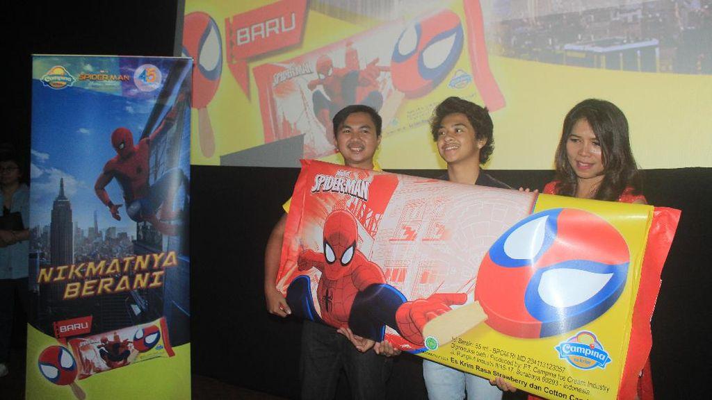 Makin Asyik! Makan Campina Spider-Man Sambil Nonton Spider-Man Homecoming