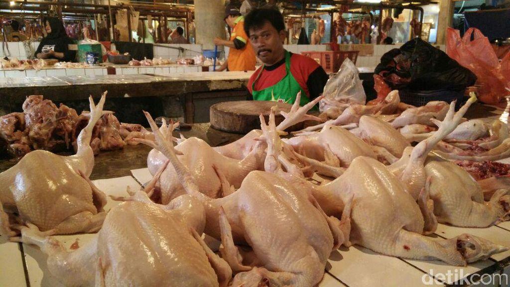 Kemendag Bakal Atur Harga Daging Ayam Jadi Rp 33.000/Kg