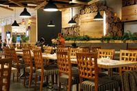 Interior restoran Hanei Sushi.