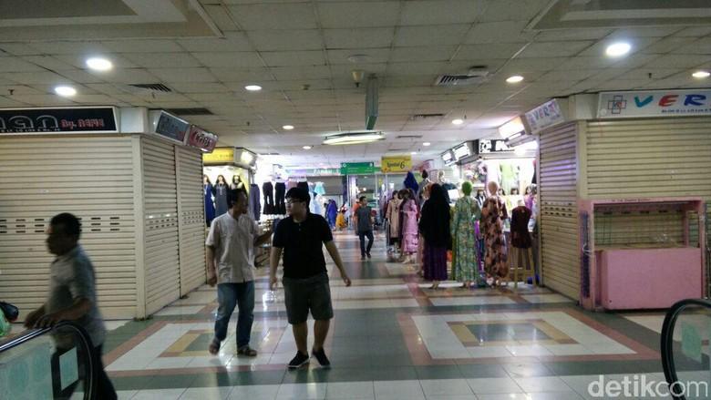 Pesanan Baju dari Pasar Tanah Abang Turun, Gara-gara Belanja Online?