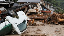 Diterjang Banjir, Kota Asakura Hancur
