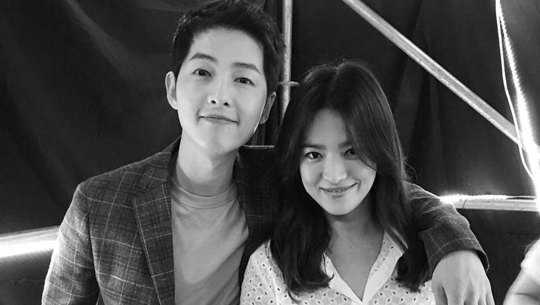 Gladi Bersih Pernikahan! Song Hye Kyo Cantik, Song Joong Ki Gagah