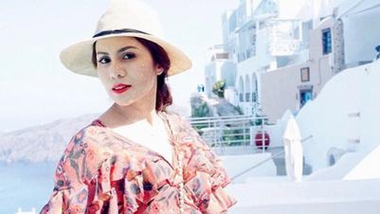 Momo Geisha Pajang Foto Honeymoon, Netizen: Kok Sendiri Terus?