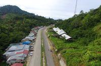Jalan menuju Entikong.