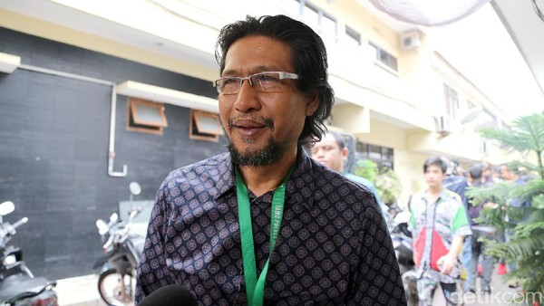 Sang Ayah Kecewa Berat, Ammar Zoni Minta Maaf Kepada Fans
