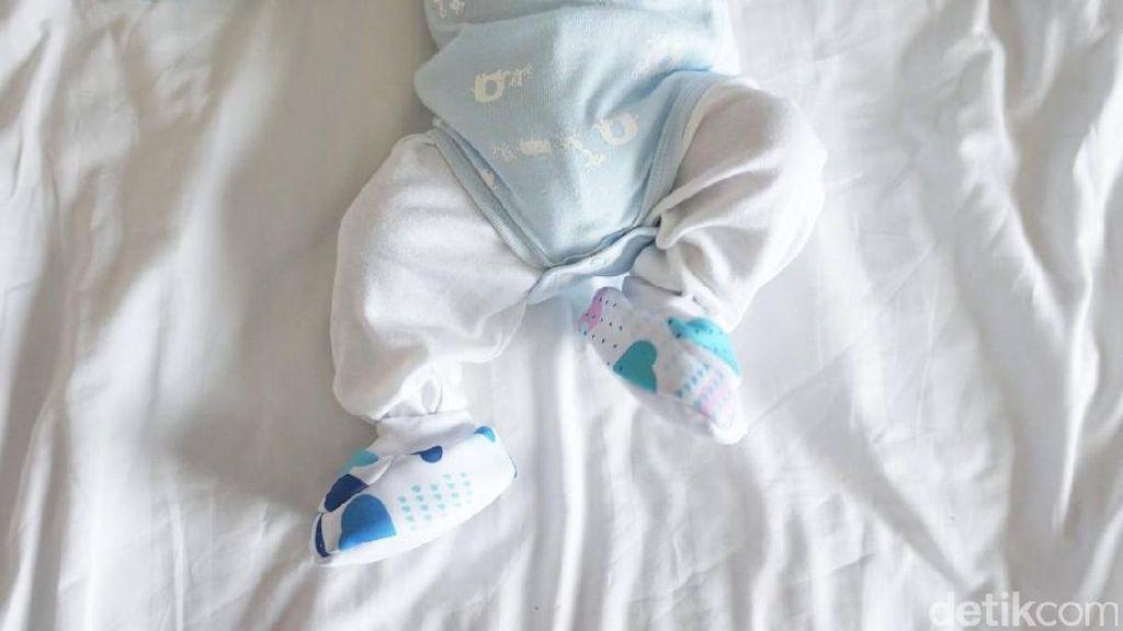 Kapan Sebaiknya Memakaikan Sepatu pada Bayi?