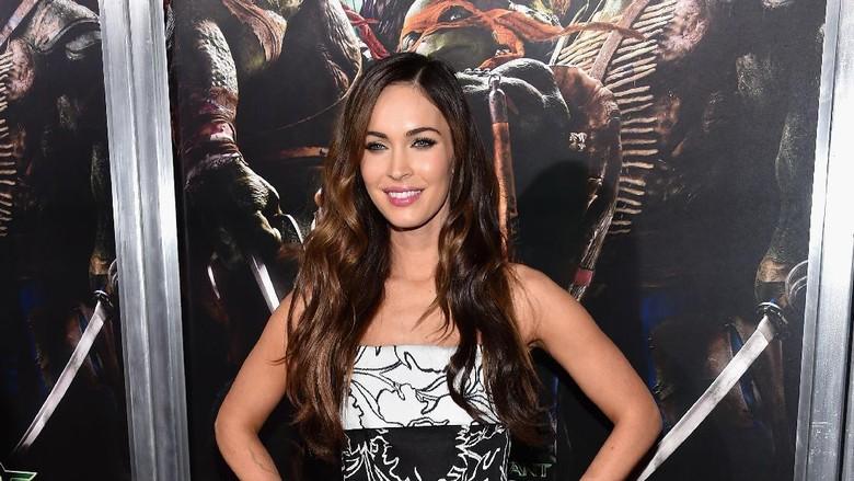 Susah Turun Bobot Pasca Melahirkan? Megan Fox Juga Mengalaminya, Bun/ Foto: Getty Images