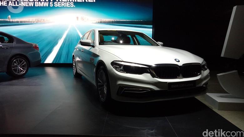 BMW Seri 5 Rakitan Indonesia, Ready Stok!