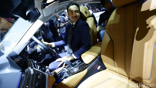 Hamish Daud di peluncuran Seri 5