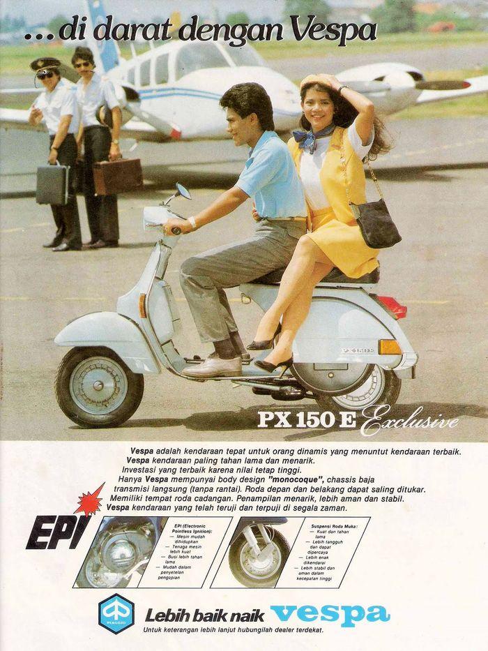 Iklan Vespa PX 150 E. Iklan tersebut menampilkan seorang pria dan wanita yang sedang mengendarai Vespa PX 150 E. Istimewa/Pinterest.