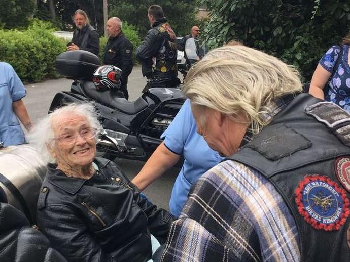Nenek 101 Tahun Jadi Pemimpin Konvoi 100 Moge