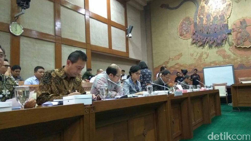 Isu Reshuffle Terkuak di Rapat Komisi VI Dengan Sri Mulyani