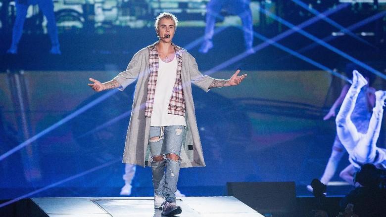 Justin Bieber Bikin Tato Baru Lagi, Apa Artinya?