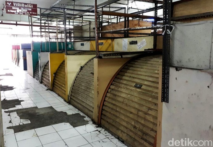 Tak Cuma Glodok, Pasar Tanah Abang Mulai Sepi