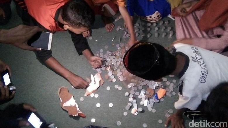 Anak Yatim Pecahkan Celengan untuk Bayar Denda PLN