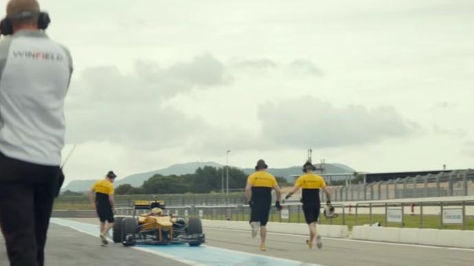 Orang Tertua yang Kendarai Mobil F1
