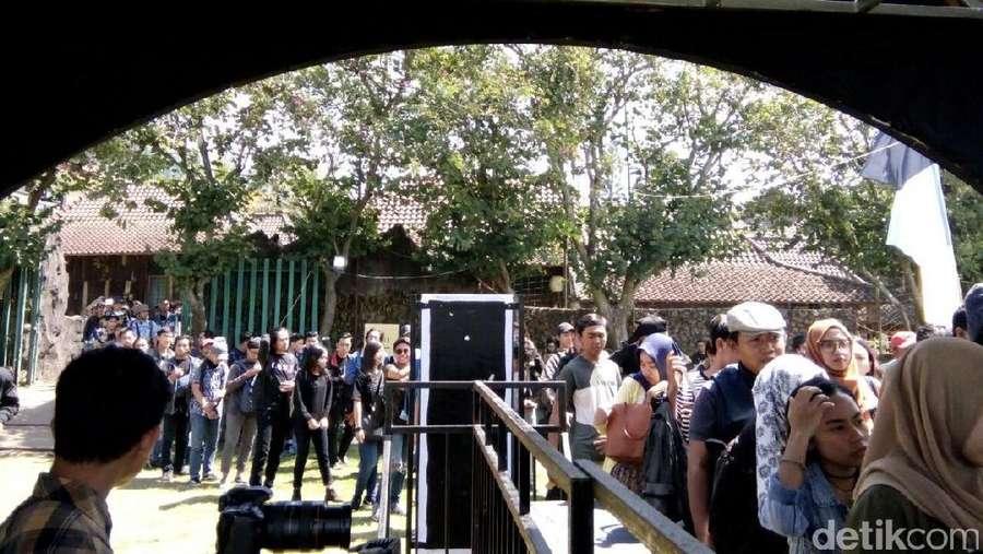 Syahdunya Folk Music Festival di Alam Malang