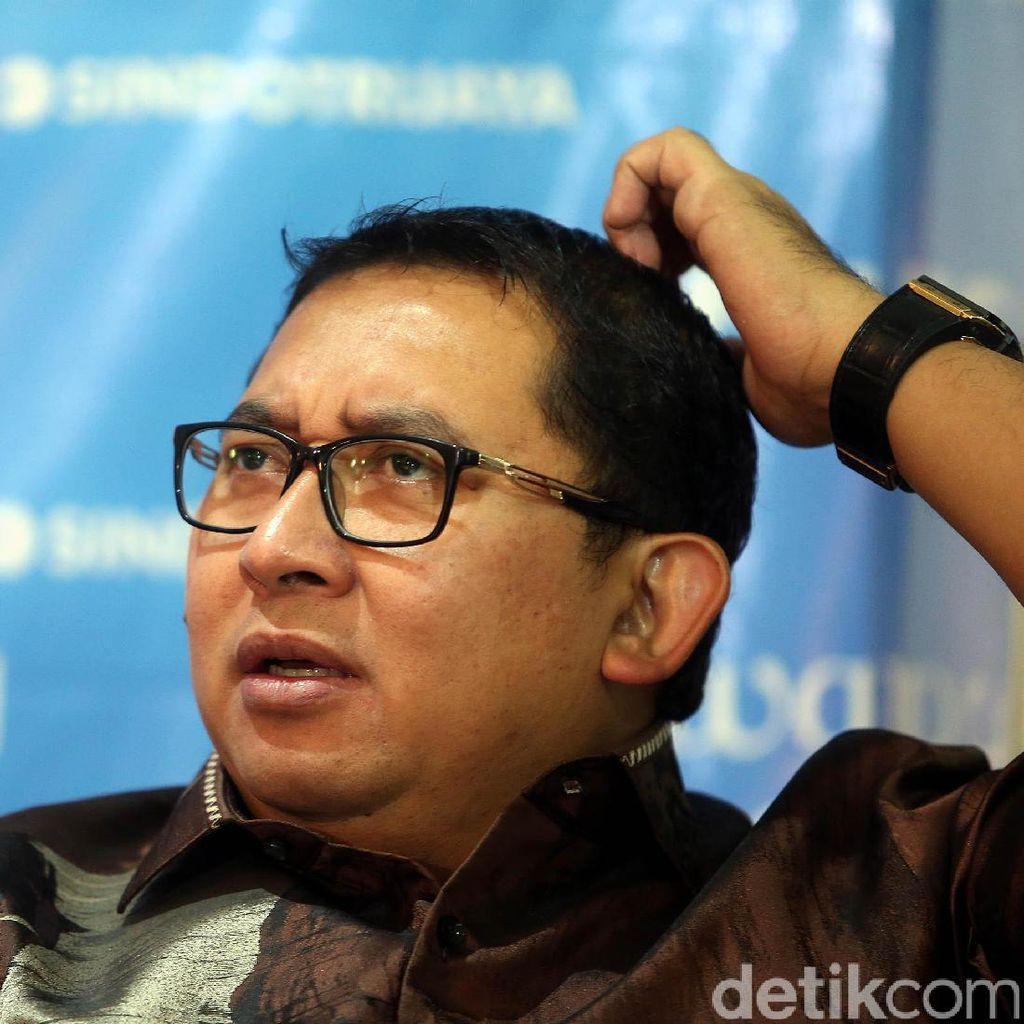 Sajak Fadli Zon: Orang Gila