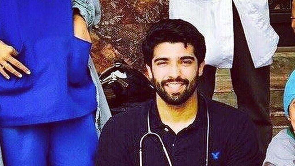 Penampakan Rehan Munir, Dokter Ganteng Bak Model yang Hobi Main Bola