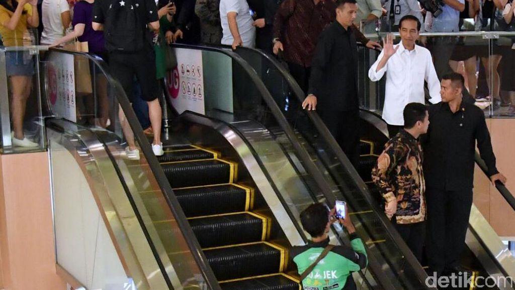 Dari Jokowi Sampai Obama, Intip Gaya Para Kepala Negara Belanja di Mal
