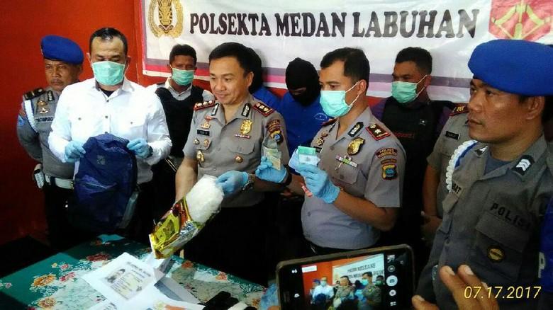 Bawa 1 Kg Sabu, Kurir Narkoba Jaringan Malaysia Ditangkap di Medan