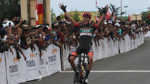 Edgar Nohales Nieto, juara etape keempat Tour de Flores 2017