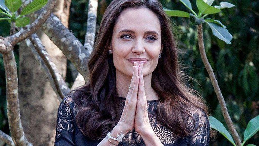 Berbahayakah Bells Palsy yang Pernah Menyerang Angelina Jolie?